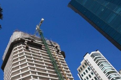 Inflação da construção perde ritmo, mas imóvel na planta sobe quase 8%