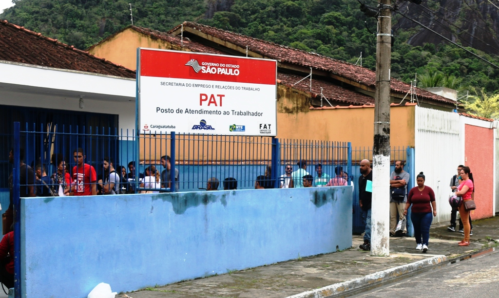 PAT de Caraguatatuba recebe currículos para atuar na parada da UTGCA (Base de Gás)